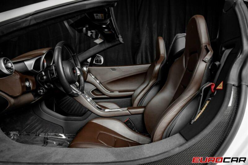 Image 14 Voiture Asiatique d'occasion McLaren 650S 2015