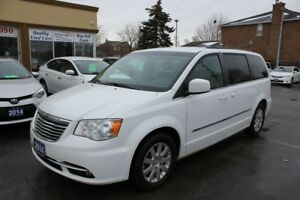 2014 Chrysler Town & Country Touring Power Doors