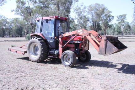 Case Tractor 685XL