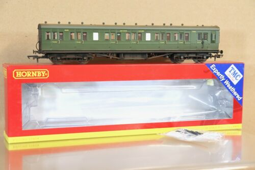 HORNBY R4718A TMC WEATHERED SR MAUNSELL 58ft SUBURBAN COMPOSITE BRAKE COACH 2625