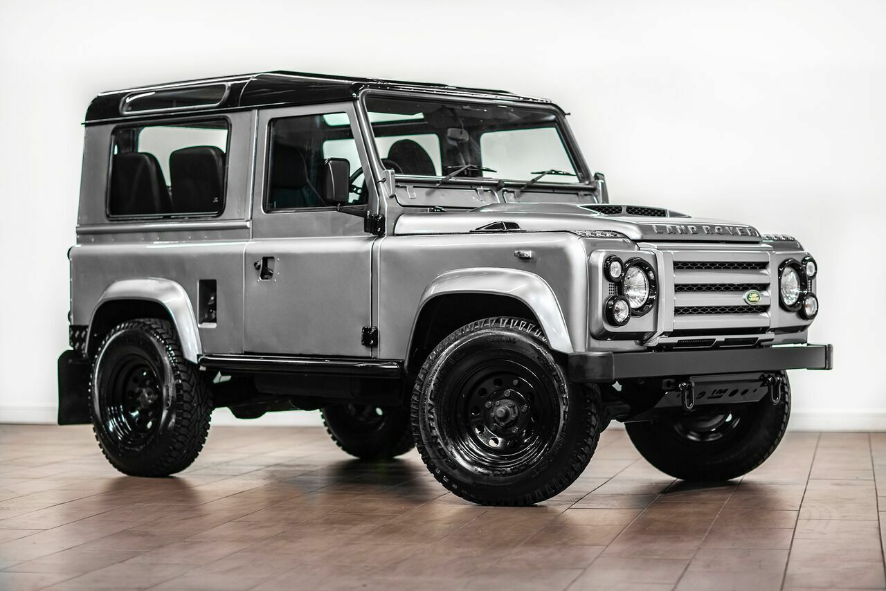 1986 Land Rover Defender 90 300 TDI Turbo Diesel  RECENTLY RESTORED   FULL GALVANIZED CHASSIS 7-Seater Wagon