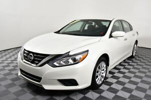 2016 Nissan Altima 2.5S. Fog lamps. 66000KM Low mileage