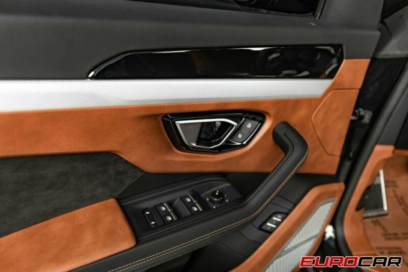 Image 10 Voiture Européenne d'occasion Lamborghini Urus 2020