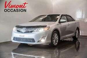 2014 Toyota Camry Hybrid XLE GPS TOIT MAGS NO ACCIDENT RECORD
