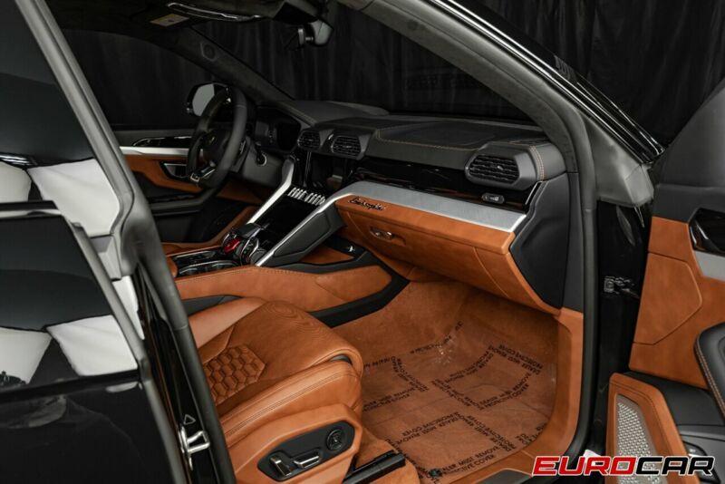 Image 15 Voiture Européenne d'occasion Lamborghini Urus 2020