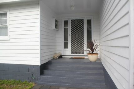 3 Brm Private Home in Great Location.
