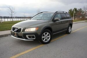 2010 Volvo XC70 PREMIUM - 1 OWNER / NO ACCIDENTS