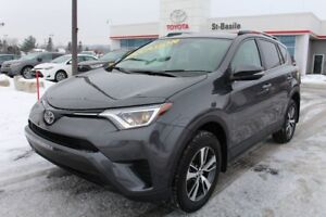 2018 Toyota RAV4 LE AWD MAGS SIEGES CHAUFFANT CAMERA RECUL