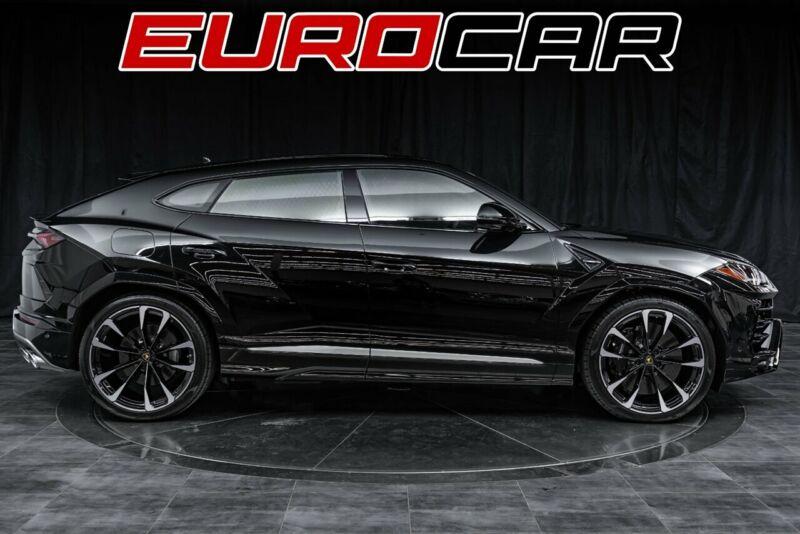 Image 6 Voiture Européenne d'occasion Lamborghini Urus 2020