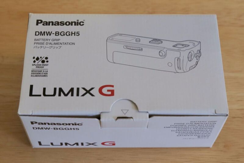 Panasonic DMW-BGGH5 Battery Grip for Lumix DC-GH5 Camera Excellent in box