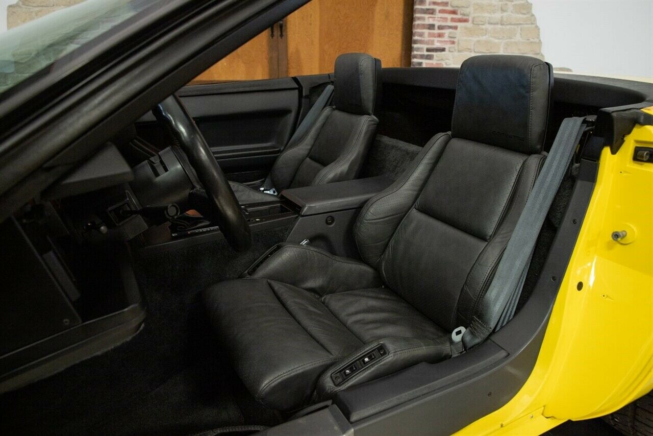 1986 Yellow Chevrolet Corvette   | C4 Corvette Photo 2