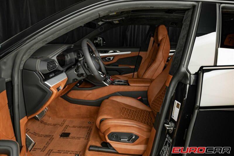 Image 14 Voiture Européenne d'occasion Lamborghini Urus 2020