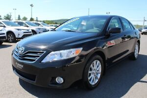 2011 Toyota Camry XLE MAGS TOIT CUIR SIEGES CHAUFFANTS