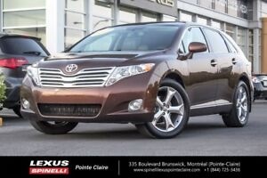 2009 Toyota Venza GPS, PANORAMIC ROOF, PERFECT FOR THE WINTER!!