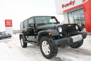 2014 Jeep Wrangler Unlimited Sahara HARD TOP, HEATED SEATS, HITC