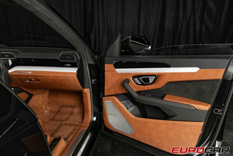 Image 18 Voiture Européenne d'occasion Lamborghini Urus 2020