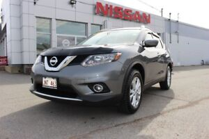 2016 Nissan Rogue SV AWD LOW MILEAGE ROGUE!
