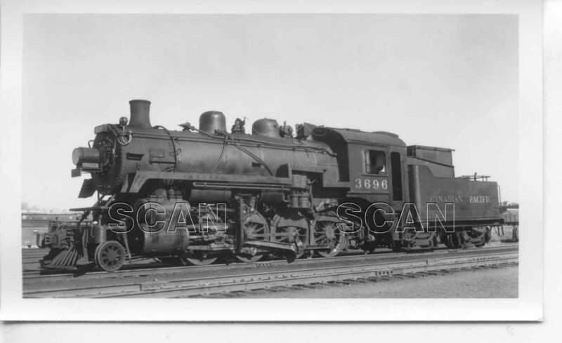 0A633 RP 1950s CANADIAN PACIFIC RAILROAD 2-8-0  LOCOMOTIVE #3696