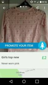 Girls top NEW