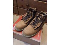 Scruffs Boots UK mens size 7 Brand new