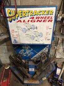 Tools Supertracker 4 wheel aligner
