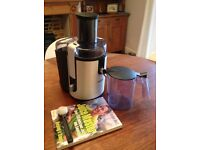 PHILIPS HR1861 PROFESSIONAL WHOLE FRUIT JUICER + ACCESSORIES - HARDLY USED (RRP £189)