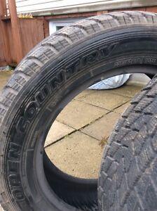 Un pneu toyo open country 23560r18