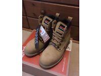 Scruffs Boots size 7