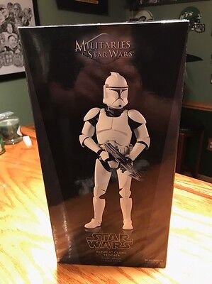 sideshow collectibles Star Wars Clone Trooper Phase 1 Armor MIB Hot Toys
