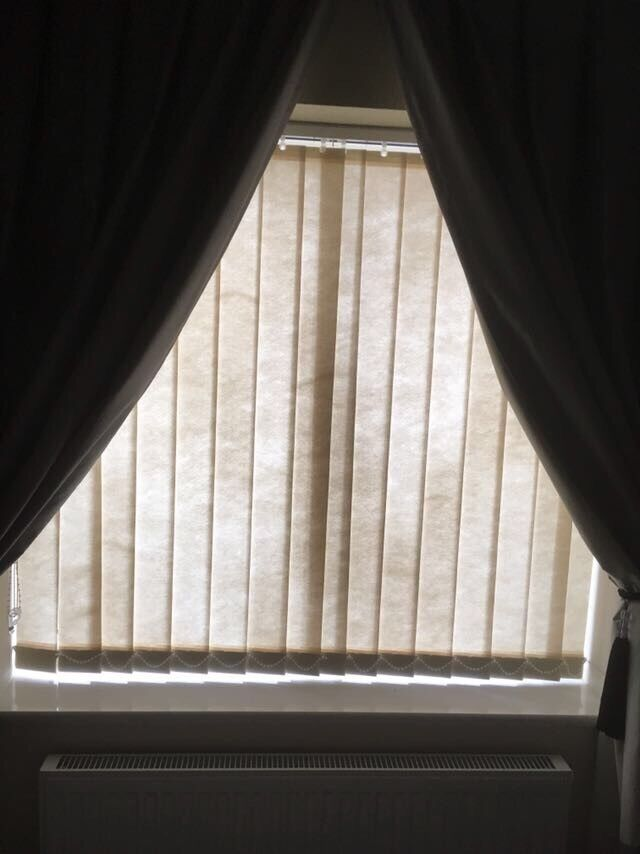 Vertical blinds 122x113cm