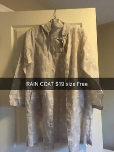 (Almost new) Women's gray and white floral print rain coat