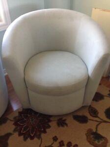 Chairs Oakville / Halton Region Toronto (GTA) image 2