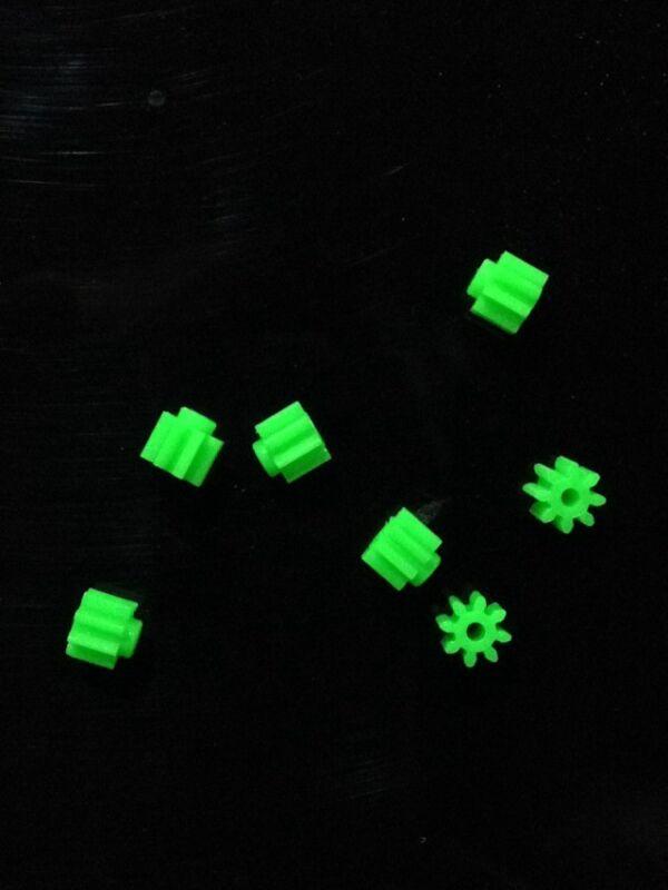 10pcs 8T 8 Teeth 0.5 Modulus 1.4mm Aperture Toy Drive Shaft Plastic Gear Wheel