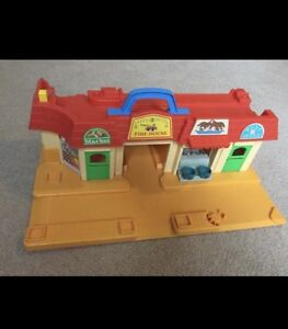 Fisher Price Strip Mall - vintage