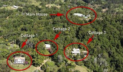 Noosa's Private Mountain Executive Home with 3 Cottages + Income
