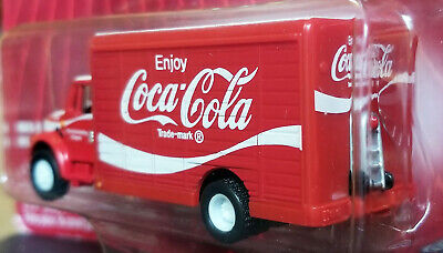 2004 Johnny Lightning Coca-Cola International Truck Delivery Vehicle / Hand Cart