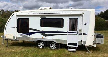 21 FOOT TRAILCRAFT PANORAMA CARAVAN 2005