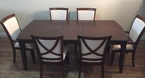 Formal Dinning Table and Chair