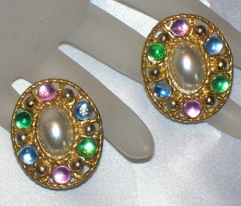 VINTAGE BIG OVAL GOLD TONE SIMULATED PEARL & PASTEL BEAD PIERCED EARRINGS C660