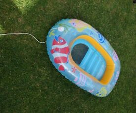 Inflatable boat for toddler (could be used as small paddling pool )