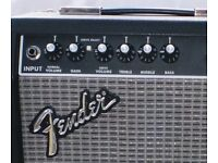 Fender Frontman 15G.Mint condition . Perfect working order Includes instruction manual.