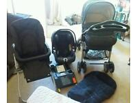 Mama's and Papa's ultima 8 in 1 travel system