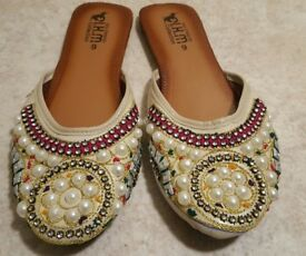 Kolhapuri Chappal Shoes Handmade embroidery Sandal different sizes & colours