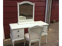 Modern dressing table with chair and free standing mirror, very pretty used item.