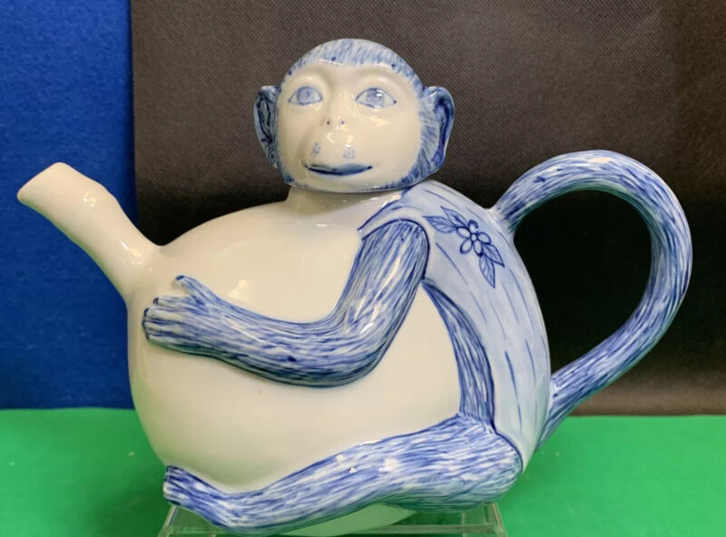 Older Vintage Chinese Monkey Teapot, Blue & White, 24oz, Excellent!