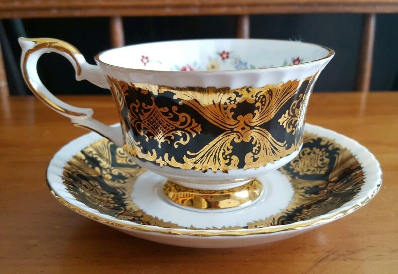 VINTAGE TEA CUP AND SAUCER MADE BY PARAGON PEMBROKE
