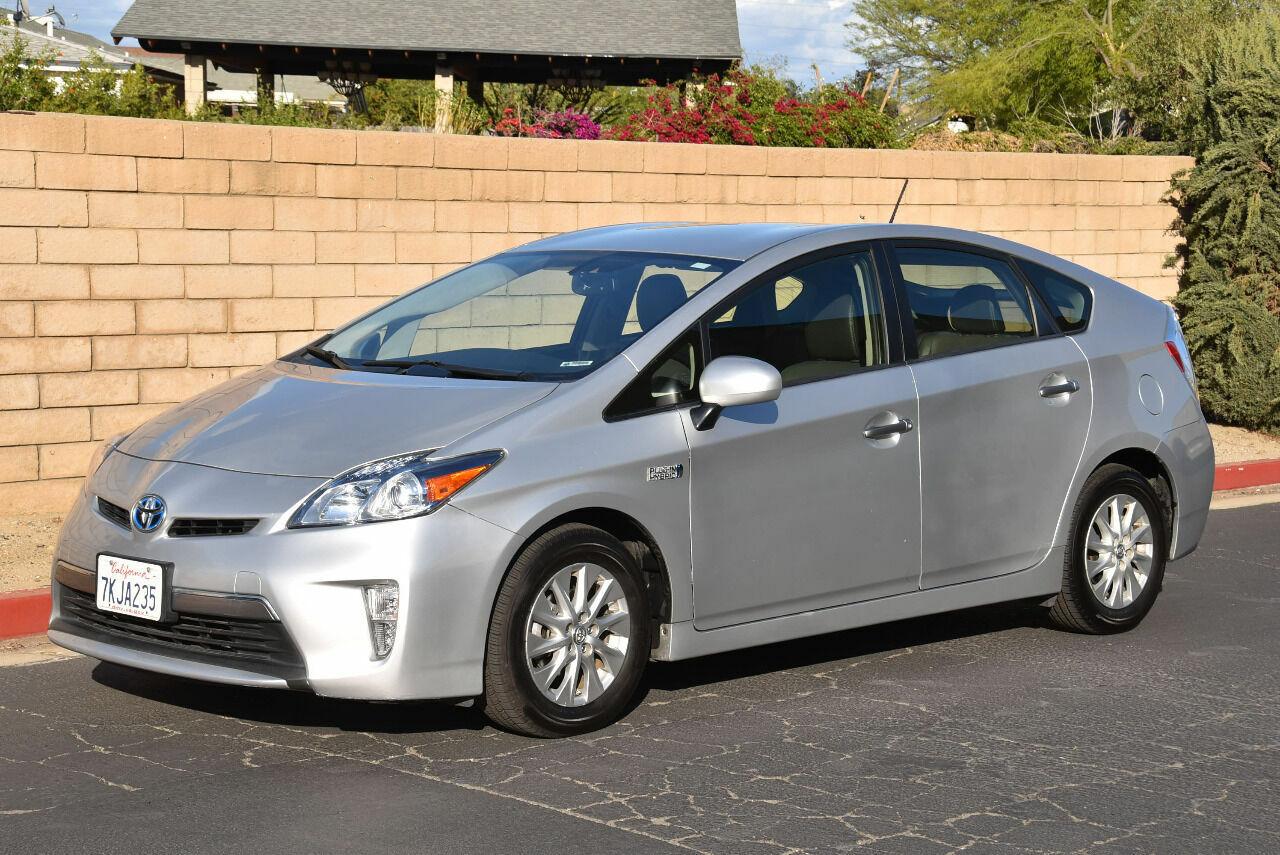 2015 Toyota Prius Plug-in Hybrid Advanced 4dr Hatchback SilverExtra-Clean!