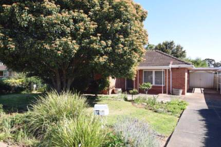Tidy 3 bedroom home in this sought after location!