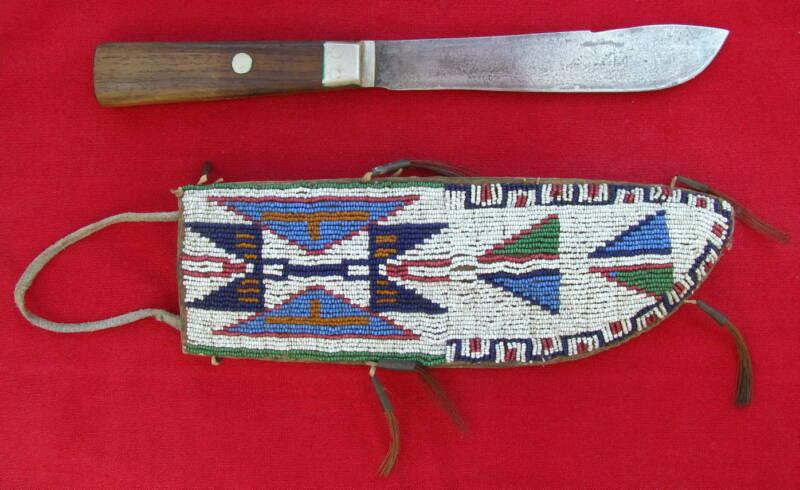 1880s ORGINAL 6 COLOR BEADED AMERICAN PLAINS LARGE INDIAN SHEATH+SKINNING KNIFE