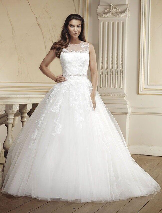 Modecca Olivia Wedding Gown Uk 16 To 18 In Stepps Glasgow